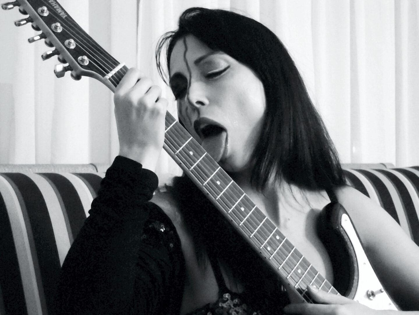 Silversnake Michelle Guitars Lick Music Taste